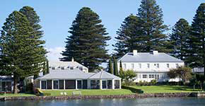 Douglas Riverside accommodation in Port Fairy on the Moyne River