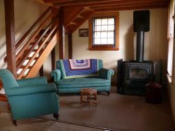 cottage2_lounge.jpg