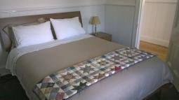 thegatehouse-bedroom.jpg