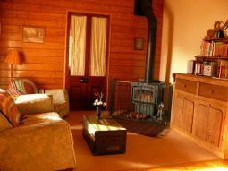 cottage1_lounge.jpg