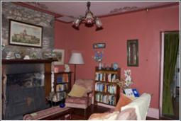 TaraCottage-Lounge-room.jpg
