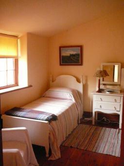 twin-bedroom.jpg