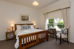 Killara-bedroom-airbnb.jpg