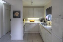 RegentCottage-kitchen.jpg