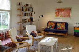 lounge-wharfcottage.jpg